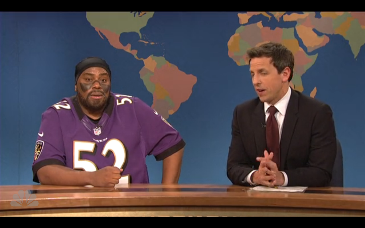 Kenan Thompson (Left) plays Ray Lewis on SNL