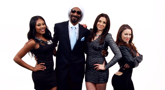 Snoop and his sexy troupe