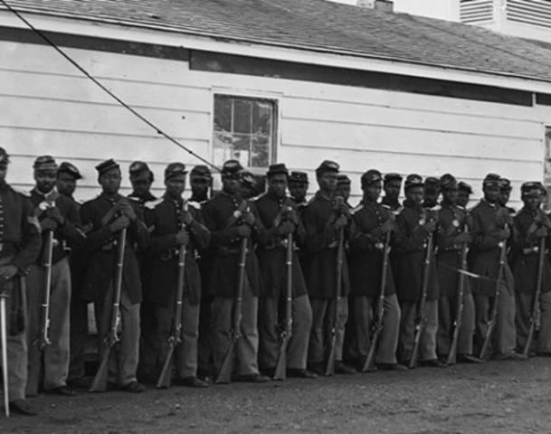 104965434-black-soldiers