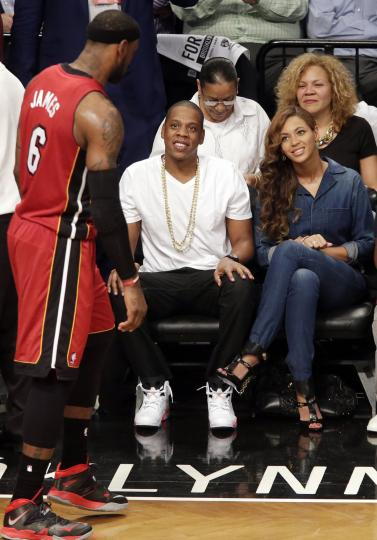 Jay-Z-Beyonce-take-in-Nets-Heat-game-after-Solange-fight-video-leaks-PHOTOS