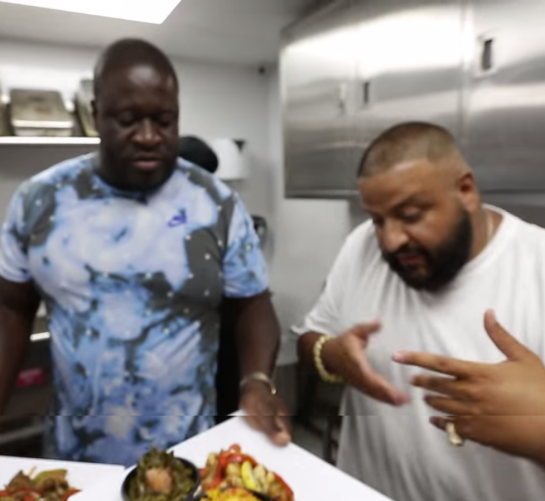 Dj khaled is finga licking miami going out of business luch hour - 2 6